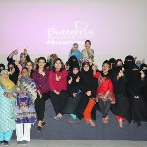 women showing thumb